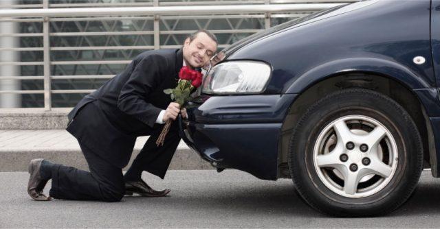 Sevgililer Günü'nde aracını çok sevenlere alabileceğiniz hediyeler:)