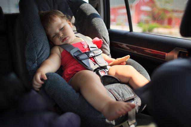 Bebek ve çocuk oto koltuğu seçim rehberi (tam açıklamalı)