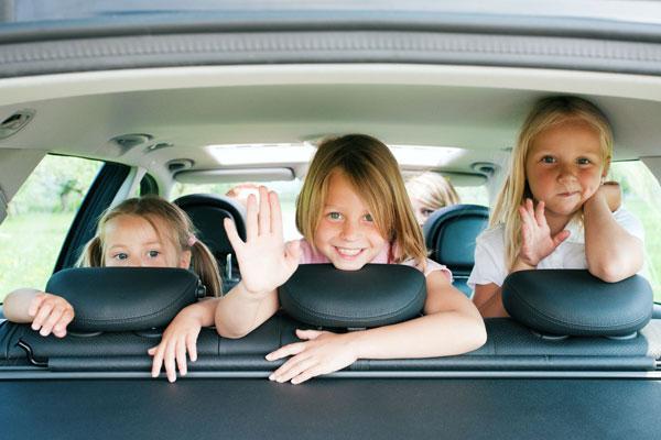 Çocuklu aileler için harika 6 araba aksesuarı önerisi