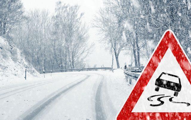 Karlı ve Yağışlı Havalarda Güvenli Sürüş Tüyoları
