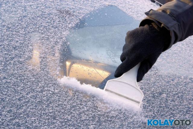 Buz Tutan Araba Nasıl Temizlenir? Aracım Buzla Kaplandı Ne Yapmalıyım?